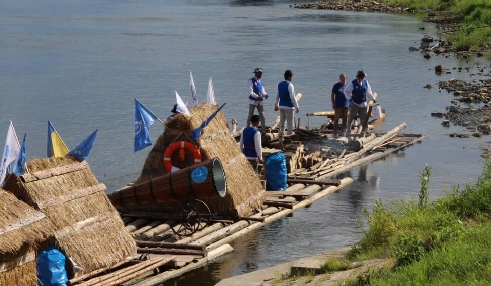 Film do artykułu: Flisacy z Ulanowa przypłynęli do Tczewa [wideo, zdjęcia]