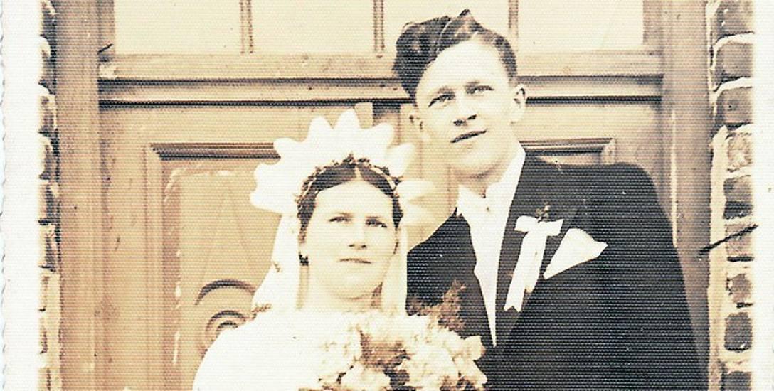 Maj 1939, Toruń. Stanisława i Adam Łokajowie po ceremonii zaślubin. Nie wiadomo, gdzie dokładnie się ona odbyła