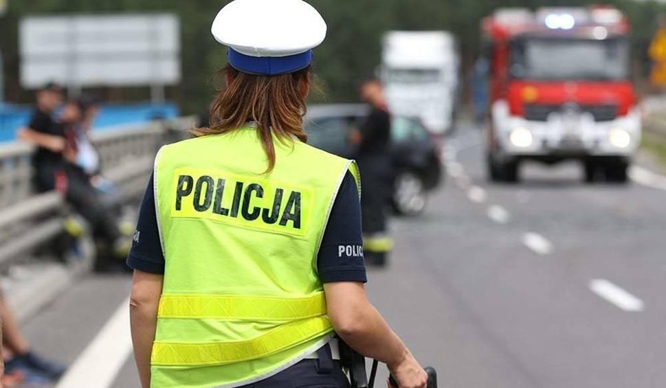 Film do artykułu: NOWA SÓL. Śmiertelny wypadek. Kierowca peugeota potrącił rowerzystkę. Kobieta zmarła w szpitalu