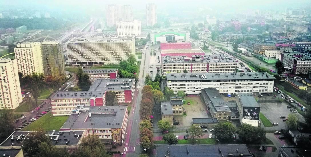 Kampus Uniwersytetu Śląskiego przy Bankowej w Katowicach. Społeczność akademicka chce udziału w funkcjonowaniu uczelni
