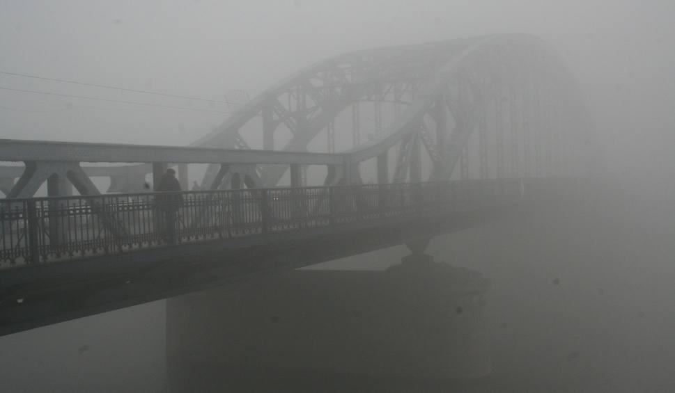 Film do artykułu: Uwaga kierowcy w regionie! Będą mgły i opady śniegu