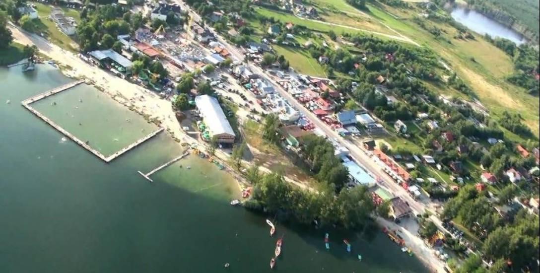 Okuninkę latem odwiedzają setki tysięcy turystów nie tylko z regionu, ale i  całej Polski.