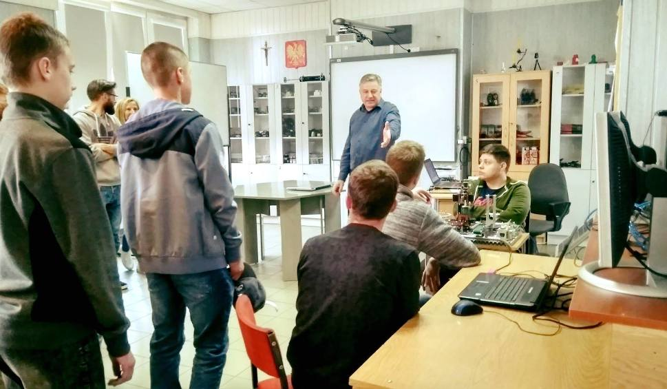 Film do artykułu: Trwają Technikalia w Zespole Szkół  imienia Marii Skłodowskiej-Curie w Ożarowie [ZDJĘCIA]