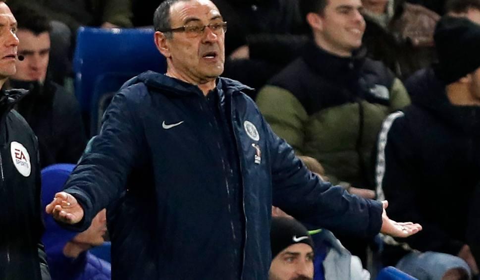 Film do artykułu: Maurizio Sarri jest skończony - mówi ekspert. Pytanie tylko kiedy Włoch przestanie być trenerem Chelsea i czy zastąpi go Zinedine Zidane