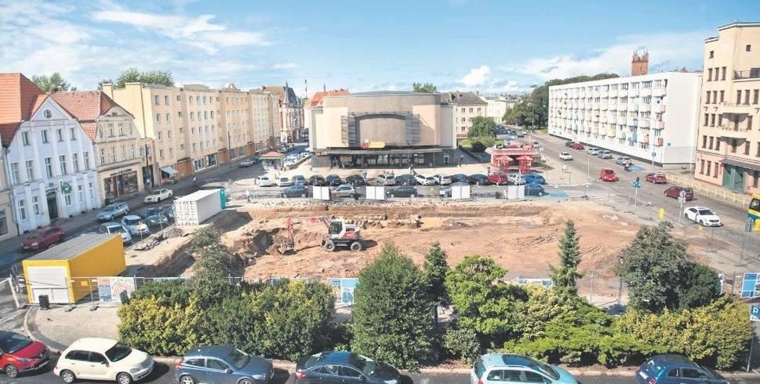 Prace archeologiczne na Starym Rynku w Słupsku już dobiegają końca. W sumie potrwają 3 miesiące. Kosztowały 400 tys. zł