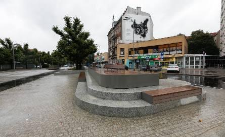 Pl. Adamowicza w Szczecinie już czeka remont. Po dwóch miesiącach od otwarcia [ZDJĘCIA]