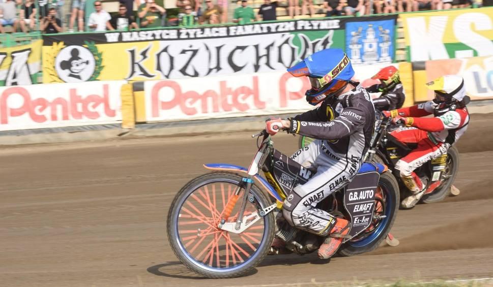 Film do artykułu: Kacper Gomólski z Wybrzeża Gdańsk: Dostałem w tym roku mocno po tyłku, więc nie rozumiem tego ataku na mnie
