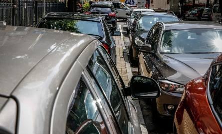 Takie tendencje mamy już chociażby na rynku motoryzacyjnym, gdzie współdzielimy pojazdy.