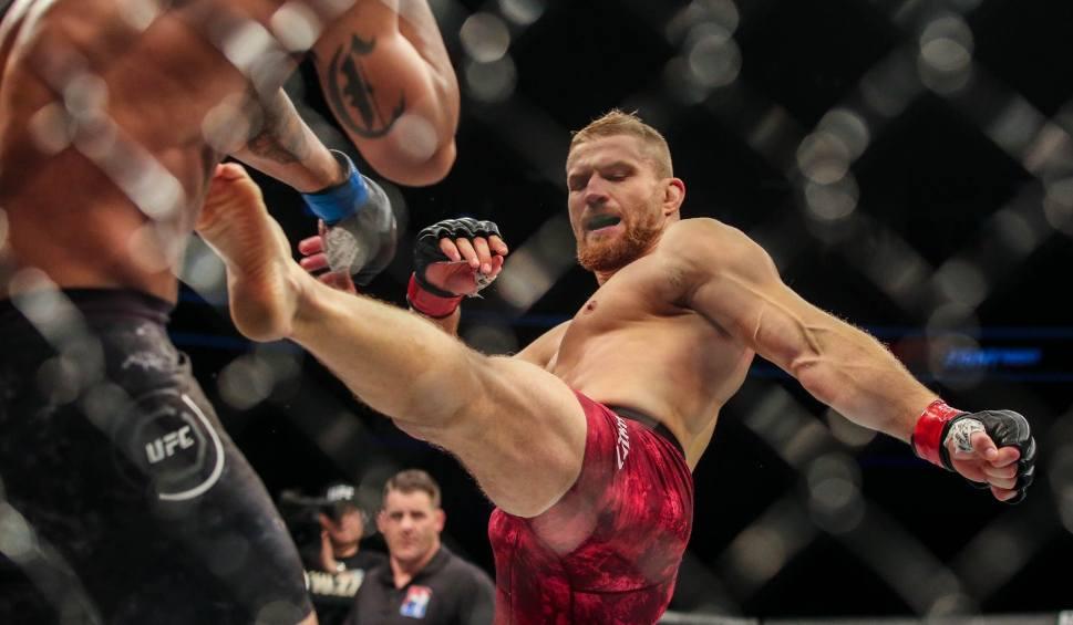 Film do artykułu: Błachowicz vs. Santos [UFC]. Kiedy i o której gala? Transmisja na żywo w TV i online [UFC Praga, jaka karta walk]