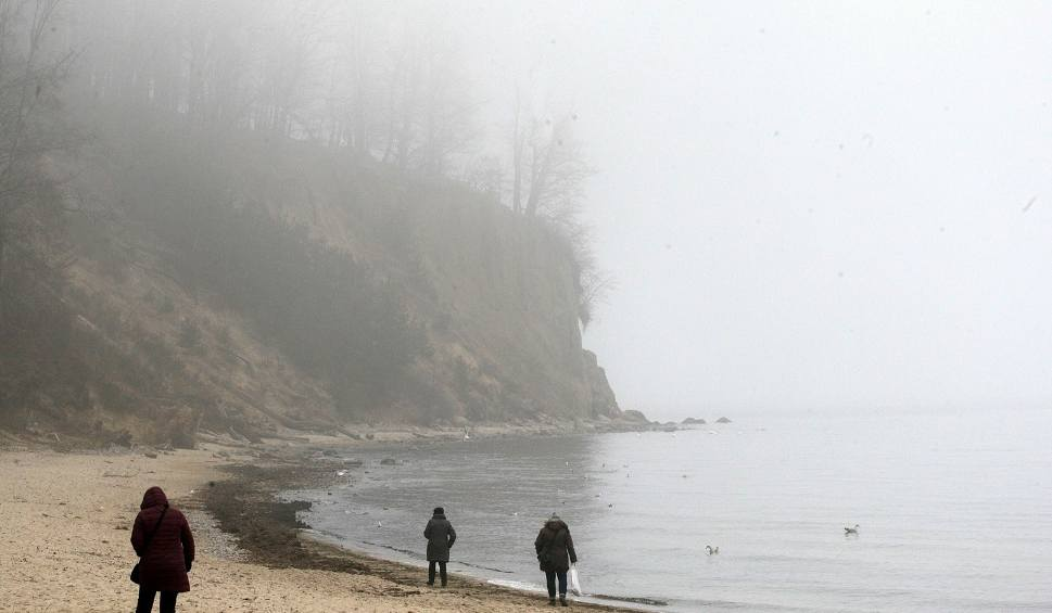 Film do artykułu: Jaka będzie pogoda w piątek, 16 listopada 2018 (16.11.2018)? Rano na Pomorzu gęste mgły. W dzień przejaśnienia [prognoza pogody]