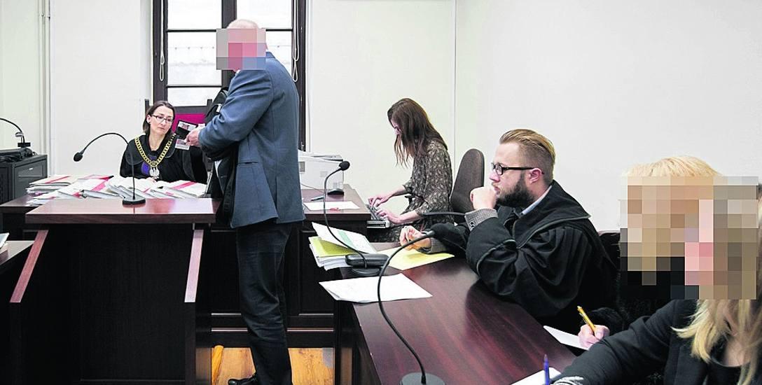 Wczoraj kolejni klienci zlikwidowanej pseudohodowli z Dobrcza zeznawali przed bydgoskim Sądem Rejonowym
