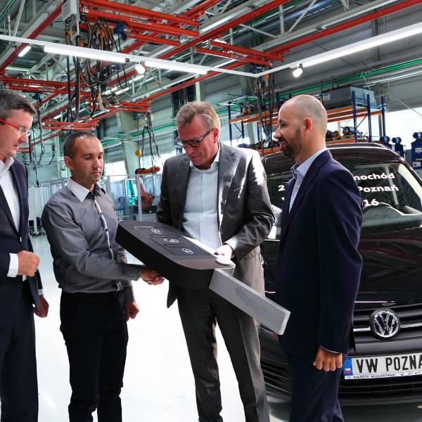 W Poznaniu wyprodukowano 2,5 mln volkswagenów. Jubileuszowe auto dla rodziny z Dolnego Śląska