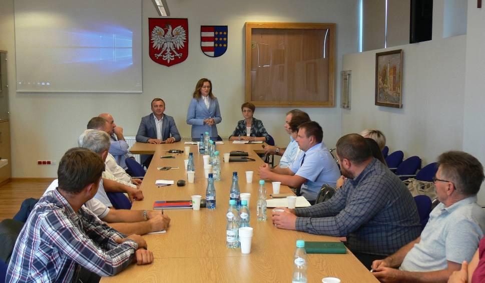 Film do artykułu: Delegaci do Izby Rolniczej z powiatu sandomierskiego spotkali się z wojewodą. Rozmawiali o prawidłowym szacowaniu strat