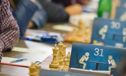 Rozegrano siedem rund systemem szwajcarskim z tempem gry po 15 minut na całą partię i dodatkowo po pięć sekund na każdy ruch od początku partii.