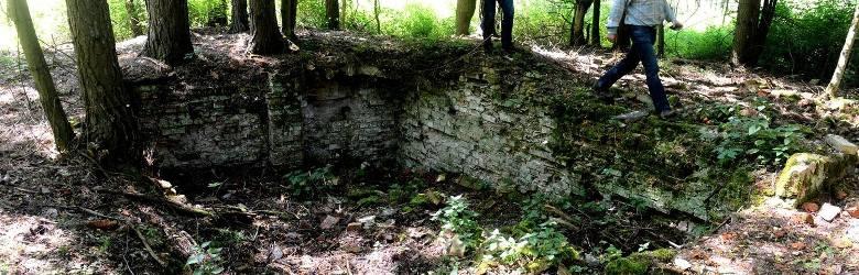 Zamek Geibla, czyli pawilony myśliwskie to miejsce dla romantyków. Dziś z zamku pozostały jedynie fragmenty piwnic. Były to pawilony myśliwskie.