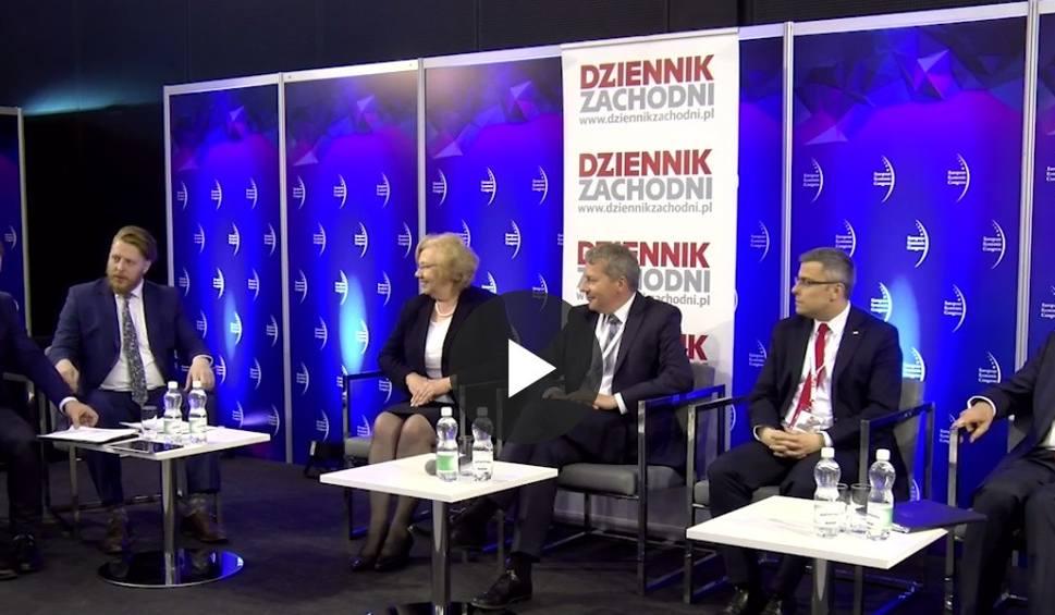 Film do artykułu: EEC 2017 w Katowicach bez kobiet? Na Europejskim Kongresie Gospodarczym było ich mało NA FORUM