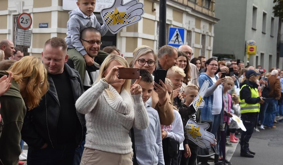 Film do artykułu: Gwarki 2019: Barwny Pochód Gwarkowski tysięcy ludzi przeszedł przez centrum Tarnowskich Gór