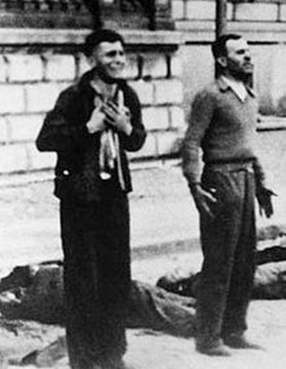 Ciała zabitych leżą obok. Za chwilę kolejna salwa. Od kul padną bracia Hanusiakowie, w tym Franciszek. Czy to mężczyzna po lewej?