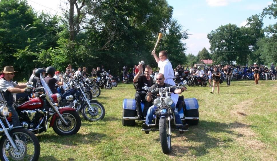 Film do artykułu: V Zlot Motocyklowy u Pinokia w Kaczakach. Zaryczały setki silników