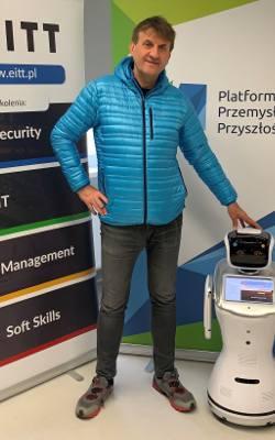 Z robotem w świat sztucznej inteligencji. Rozmowa z Markiem Kamińskim, przedsiębiorcą i znanym podróżnikiem