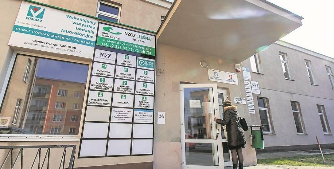 """NZOZ """"Leśna"""" jeszcze w czwartek (28 lutego) wprowadzał pacjentki w błąd (chodzi o tabliczkę Poradnia Ginekologiczno-Położnicza)"""