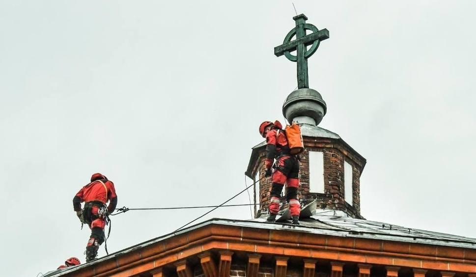 Film do artykułu: Gwałtowna burza w Bydgoszczy. Barokowe wieżyczki kościoła runęły na ziemię [KALENDARIUM BYDGOSKIE na 18 CZERWCA]