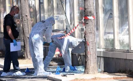 Marsylia: mężczyzna wjechał samochodem w dwa przystanki autobusowe. Nie żyje jedna osoba