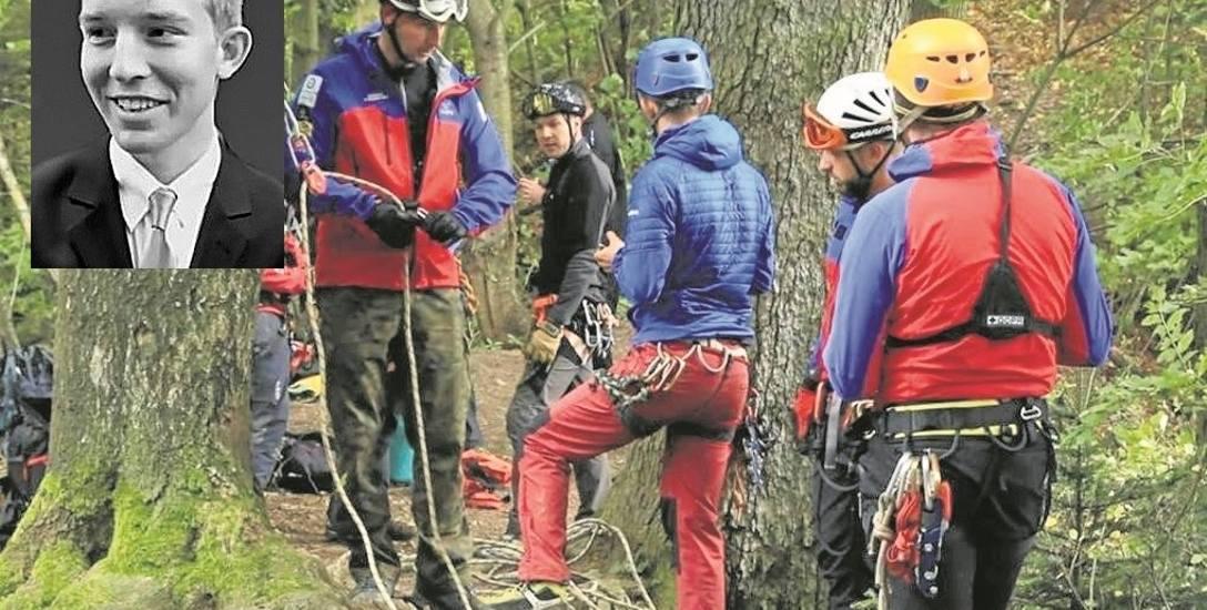 Ratownicy Grupy Podhalańskiej GOPR odnaleźli ciało nastolatka pod pionową ścianą Sokolicy