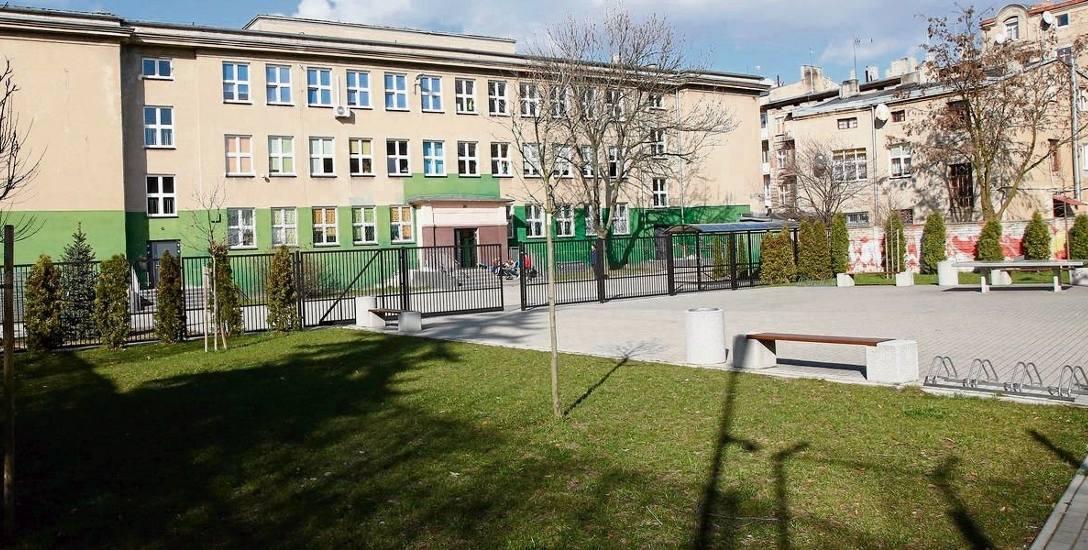 Z gimnazjum   do podstawówki