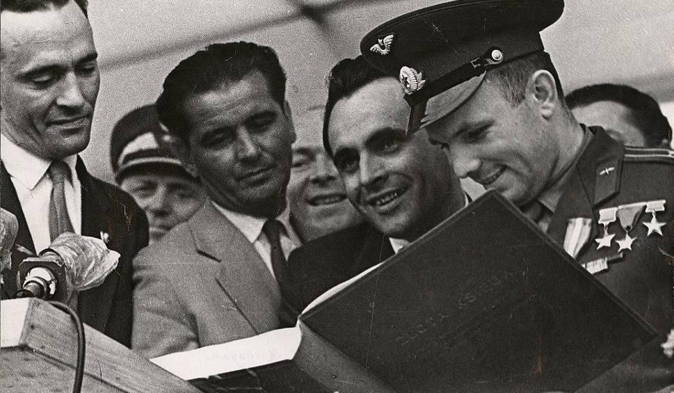 Film do artykułu: 60 lat temu Jurij Gagarin wyleciał w kosmos. Zobacz, jak witano go w Zielonej Górze