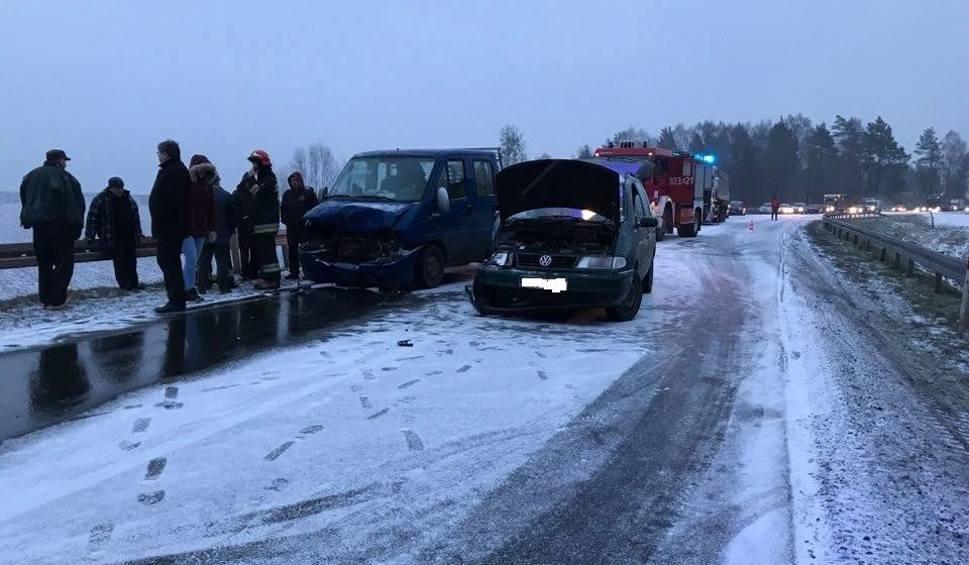 Film do artykułu: Wypadek na DK65. Zderzyły się dwa samochody. Są ranni