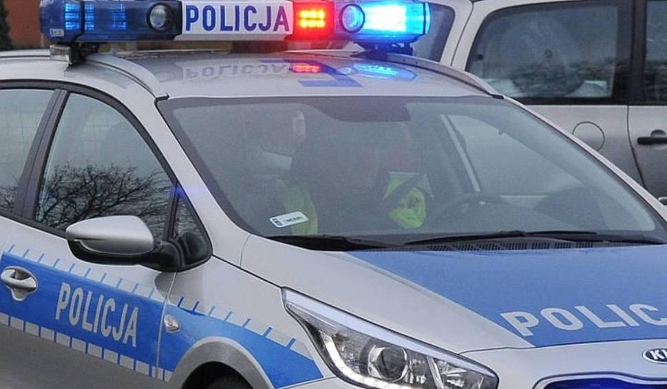 Film do artykułu: Dwa samochody zderzyły się na obwodnicy Żar, na drodze krajowej nr 12