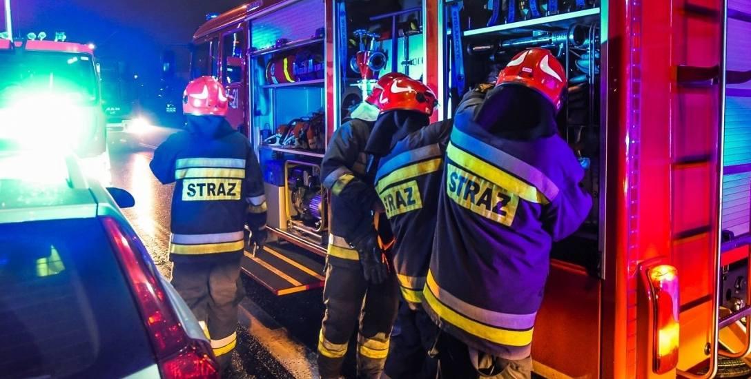 Mieszkańcy nie chcą remizy pod oknami, bo obawiają się hałasu, nauczyciele pytają o boisko, a strażacy tracą cierpliwość