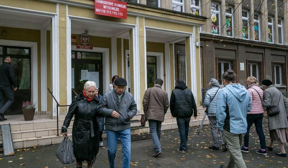 Film do artykułu: Wybory samorządowe 2018. Tak głosują mieszkańcy Krakowa [ZDJĘCIA]