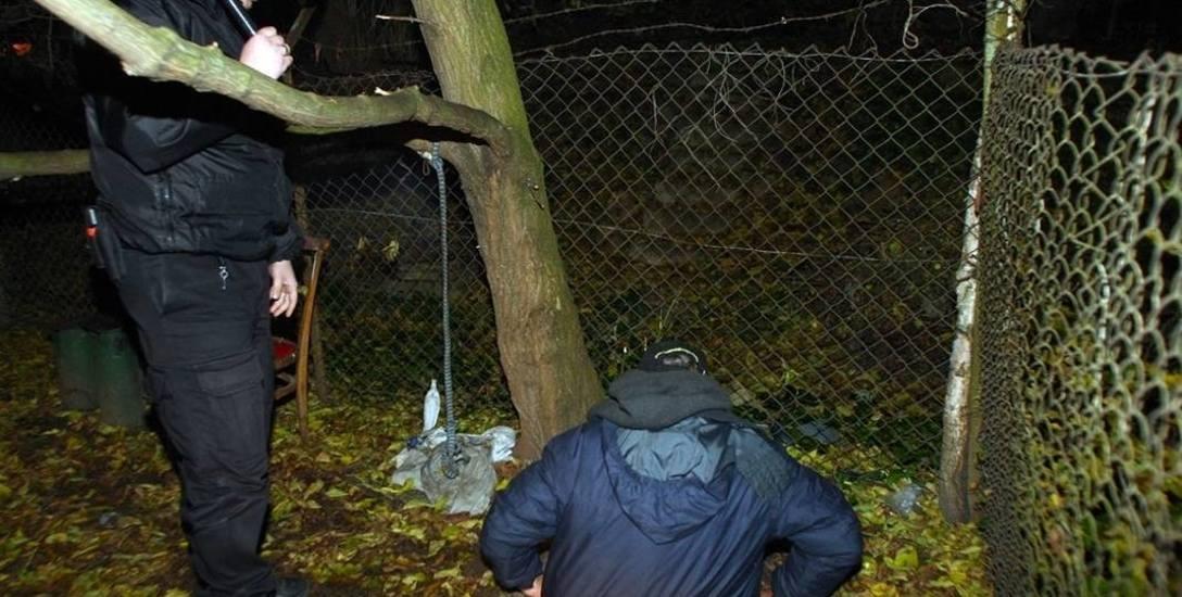 Strażnicy miejscy cały czas patrolują koczowiska bezdomnych i proponują im przeniesienie się do schroniska.