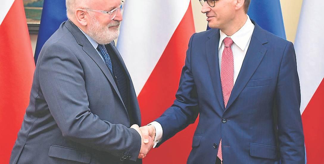Polski rząd zmienia ton w sprawie negocjacji z Unią dotyczących kwestii praworządności. Politycy PiS sugerują, że nie należy iść na ustępstwa i trzeba