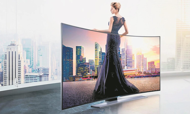 Zakrzywione telewizory mogą niedługo przestać być tylko technologiczną ciekawostką i mają szansę zupełnie zdetronizować tradycyjne, płaskie ekrany