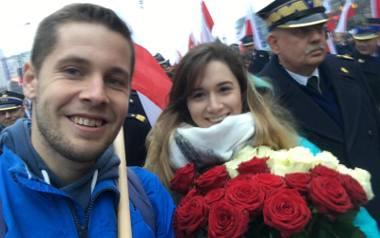Mateusz Koszela i Aneta Chrin podczas Marszu Niepodległości. Już po zaręczynach