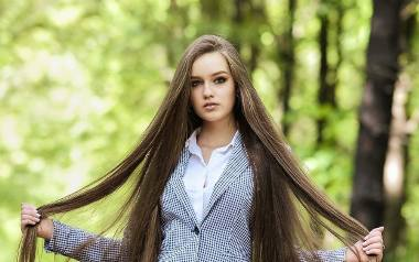 Julia Cebula to młoda, uzdolniona jaworznianka, która zdobyła właśnie tytuł I Vice Miss Śląska Nastolatek 2020. Zobacz kolejne zdjęcia. Przesuń zdjęcia