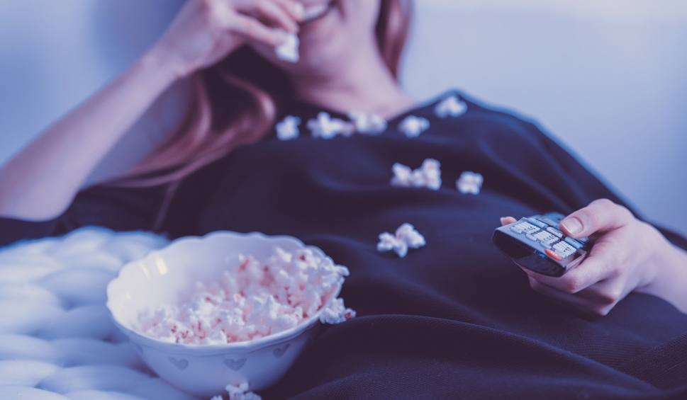 Film do artykułu: Abonament RTV 2019 PYTANIA i ODPOWIEDZI Zniżka przy wpłacie za cały rok do 25.01.2019 Cennik opłat za abonament radiowo-telewizyjny 2019