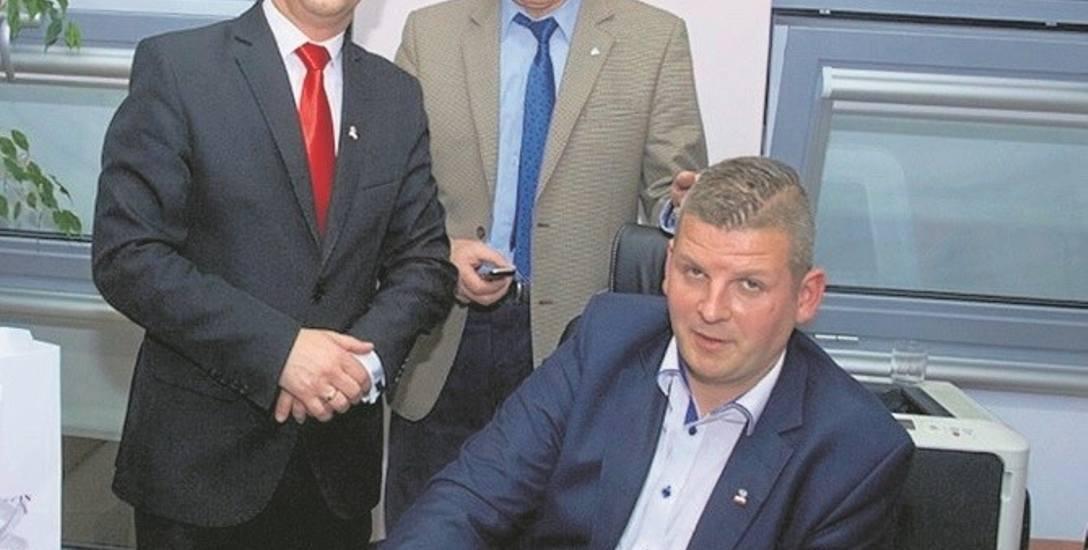 Ireneusz Rogowski (z lewej) 9.04 przegrał wybory prezydenta