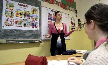 Nauczycieli czekają spore zmiany. W planach jest m.in. wydłużenie im awansu zawodowego i zmiany w Karcie Nauczyciela. Są też dobre informacje. Rządzący
