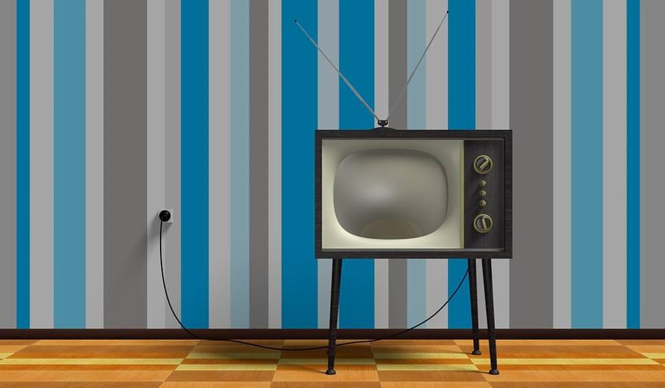 Film do artykułu: Abonament RTV 2020. Ile wynosi opłata roczna, kwartalna i miesięczna? Kto jest zwolniony? Jakie jest konto do abonamentu RTV?