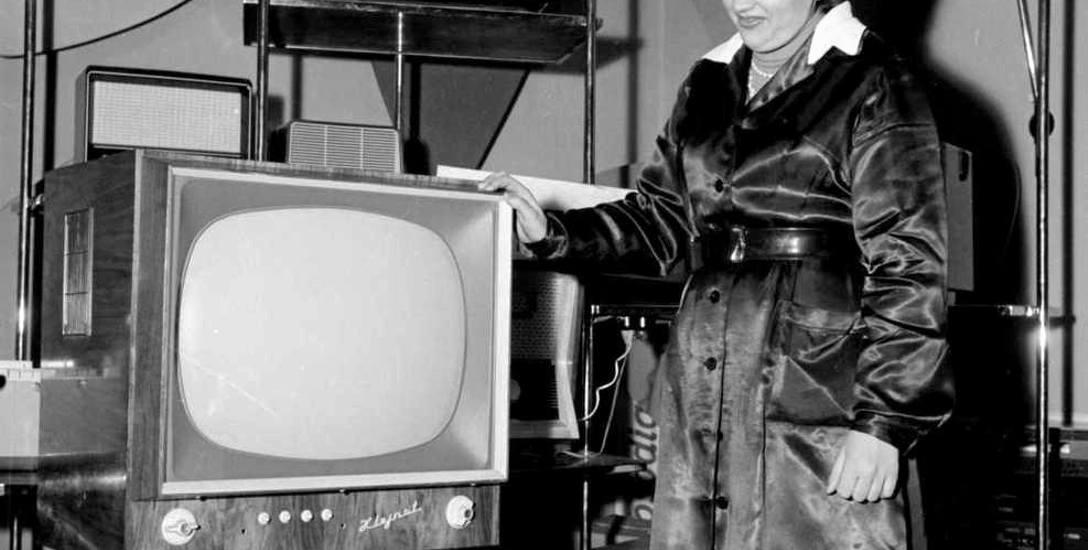 Posiadanie telewizora już wkrótce miało stać się najważniejszym celem większości białostoczan. Ze zbiorów Muzeum Podlaskiego w Białymstoku.