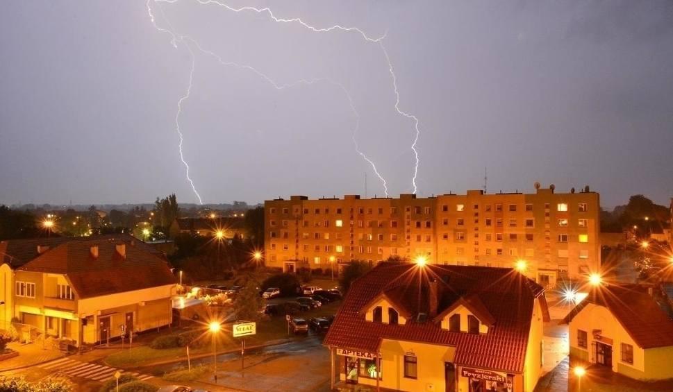Film do artykułu: Pogoda. Gdzie jest burza 10 lipca? Ostrzeżenie od IMGW przed burzami z gradem w piątek