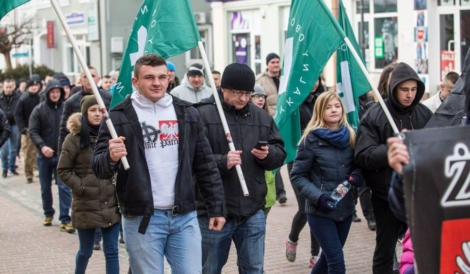 Film do artykułu: W Tarnobrzegu manifestowali przeciwko wpuszczaniu do Polski imigrantów