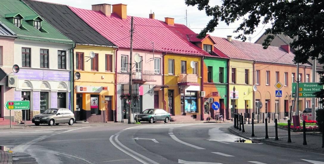 Po rewitalizacji plac Piłsudskiego będzie wyglądał zupełnie inaczej. Zmieni się również układ komunikacyjny w tej części miasta