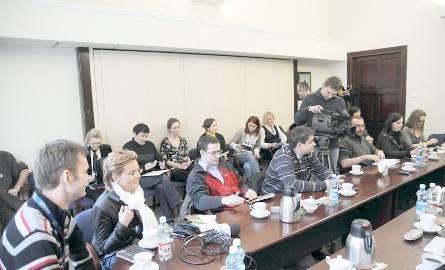 Dziennikarze zwołali sztab antykryzysowy. Co robić z tą zimą?