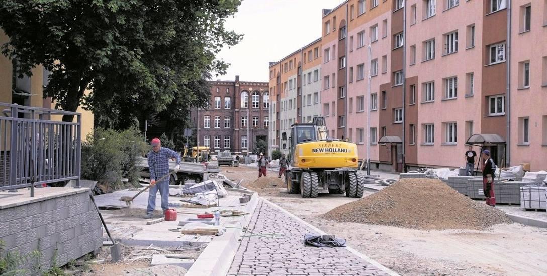 W pierwszych trzech miesiącach roboty były wykonywane przede wszystkim na odcinku od ulicy Kazimierza Wielkiego do Grodzkiej