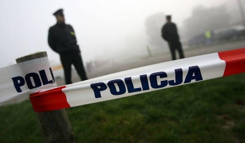 Film do artykułu: Tragedia w Piotrkowie Trybunalskim. Zwłoki mężczyzny znaleziono w garażu przy Jedności Narodowej